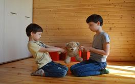 Jak rozwiązywać konflikty, które dotyczą naszych dzieci?